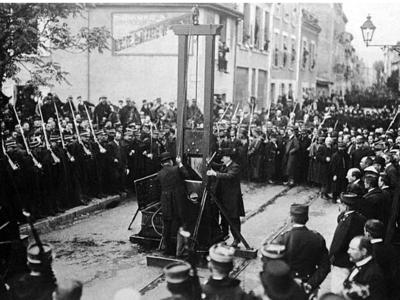 guillotine 400x300